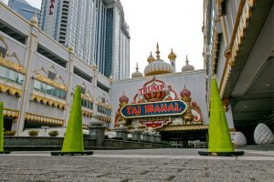 Trump Taj Mahal Owner Icahn Insists He Isn't Selling, But AC Wants Him To